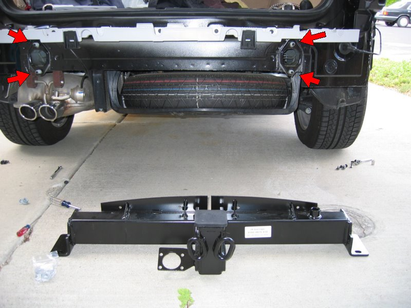 210 how to install a bmw factory trailer hitch on a 2006 x3 xoutpost com FJ Cruiser Hitch Wiring at gsmx.co